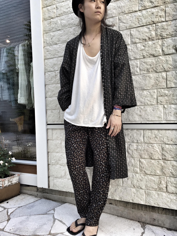 柄物イージーパンツ☆ blog